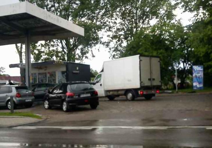Włamanie na stacji paliw