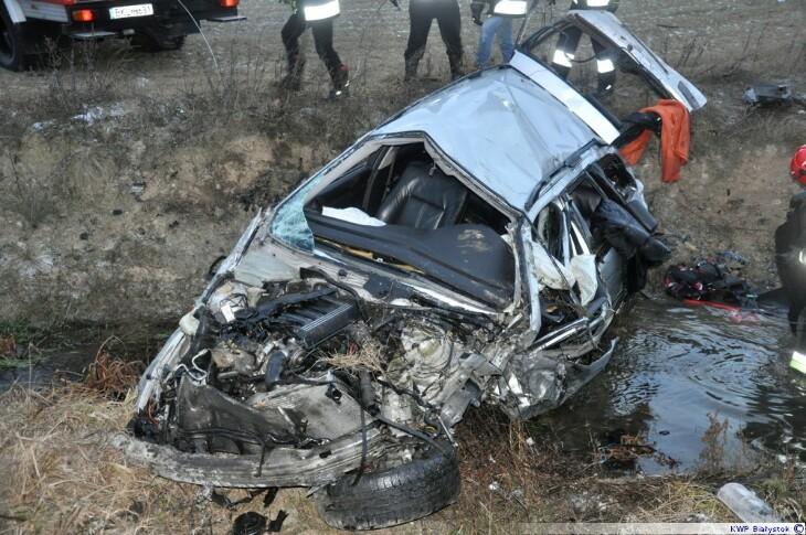 Kierowca bmw stracił panowanie