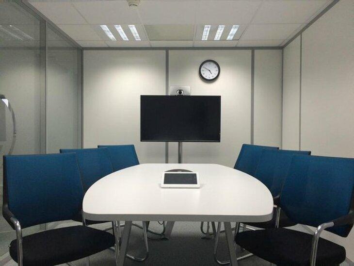 Krzesła konferencyjne - właściwy wybór ma ogromne znaczenie