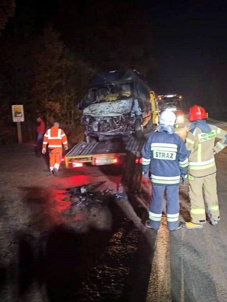 Na DK65 zapaliło się auto