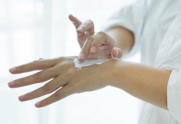 Kosmetyki do skóry suchej i wrażliwej, skłonnej do alergii - wybieramy z aptecznych dermokosmetyków