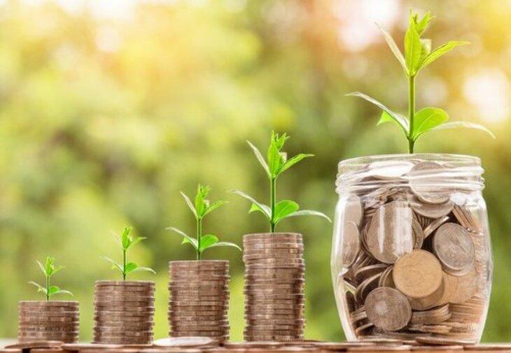 Finansowanie wydatków - kiedy kredyt, a kiedy pożyczka?
