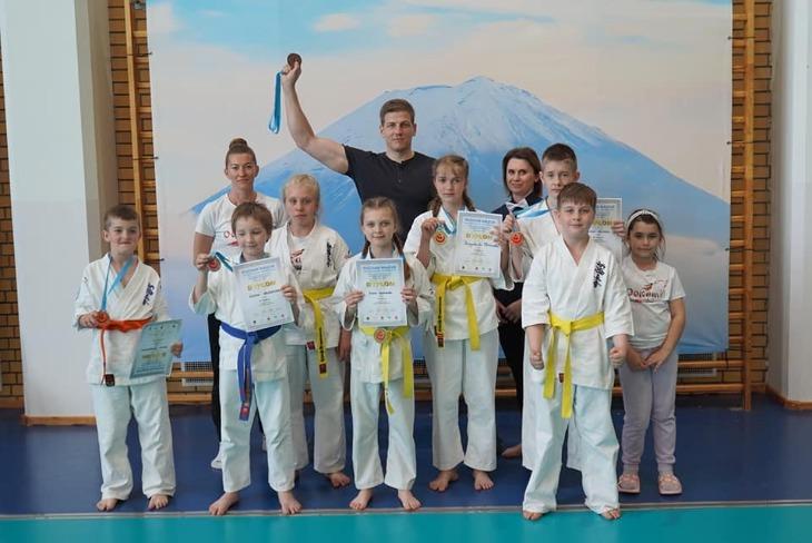 Karatecy wrócili na maty!