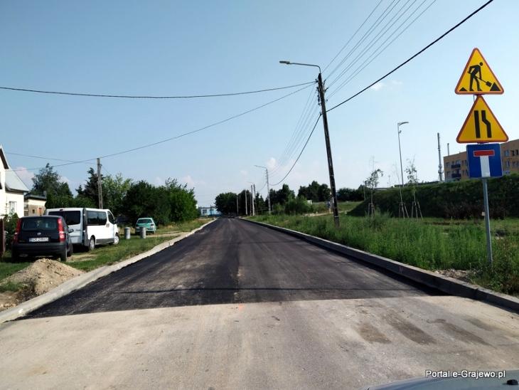 Pierwsza warstwa asfaltu na ul. Ekologicznej w Grajewie