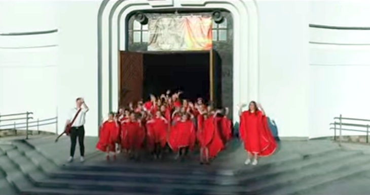 Schola dziecięca parafii MBNP Grajewo nagrała radosne wideo!