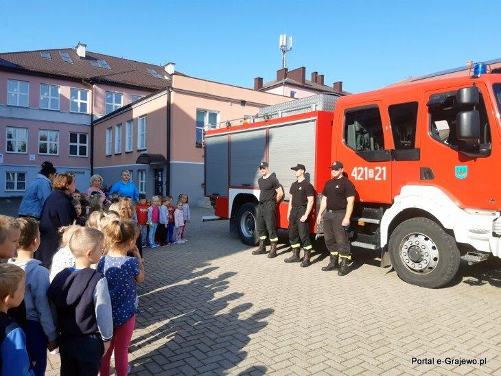 Ewakuacja Szkoły Podstawowej nr 2 w Grajewie
