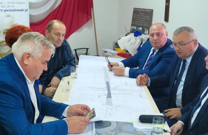 Burmistrz D. Latarowski: nie zapadły jeszcze żadne wiążące decyzje