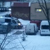 71. `tak właśnie zatrzymują w Grajewie Policjanci ludzi do kontroli blokując całkowicie drogę fot. Podpis: majster