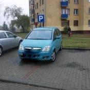 120. Parkowanie po grajewsku, niby tyłem, ale coś jednak nie wyszło...