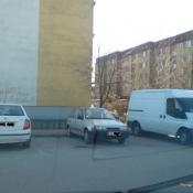 129. Jak oni parkują, po co jedne jak moża zająć dwa miejsca. A drugi niech się zastanawia gdzie zaparkować. Podpis: Rysierk