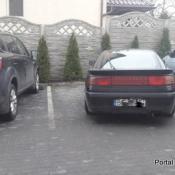139. Zaparkować w liniach to sztuka! Podpis: Adam