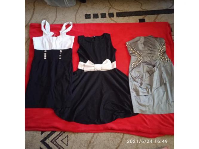 Grajewo ogłoszenia: Sprzedam sukienki w dobrym stanie. Rozmiar S,M 8 zł za sztukę