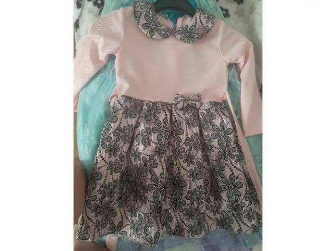 Grajewo ogłoszenia: Sprzedam sukieneczki wiek 7-8lat stan idealny