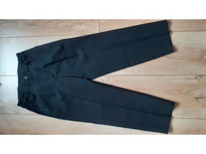 Grajewo ogłoszenia: Sprzedam eleganckie spodnie rozmiar 116, w pasie zapinane na zamek...
