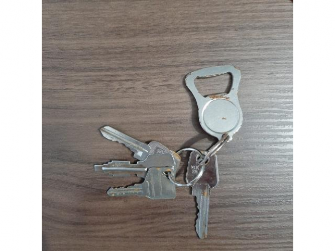 Grajewo ogłoszenia: Znaleziono klucze na parkingu (przy garażach) na przeciw bloku...