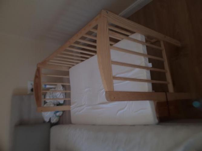 Grajewo ogłoszenia: Witam, sprzedam drewniane łóżeczko dostawne wraz z materacem...