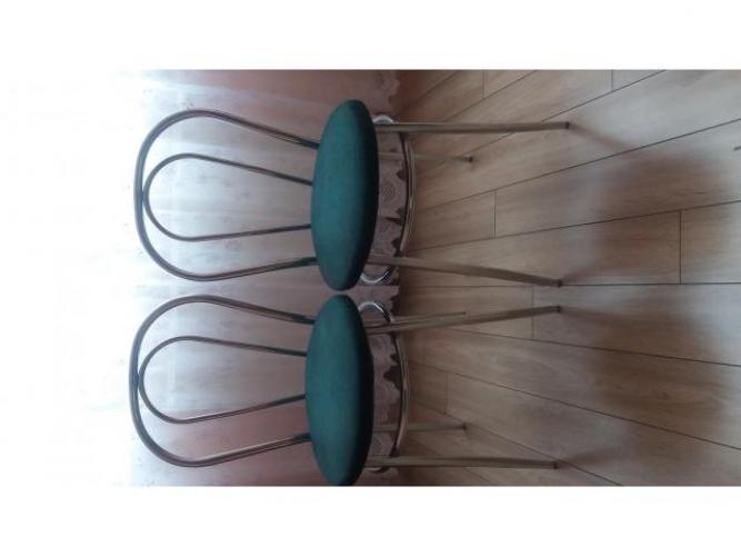 Grajewo ogłoszenia: Witam.  Sprzedam 2 krzesła kuchenne w kolorze zieleń butelkowa....