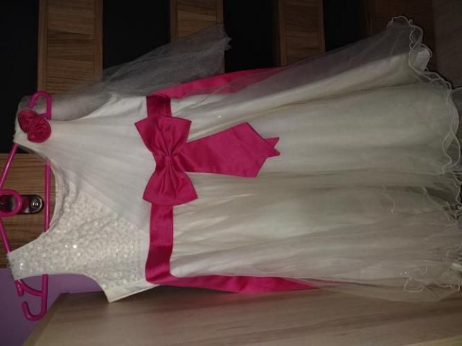 Grajewo ogłoszenia: Sprzedam sukienkę Rozmiar 146