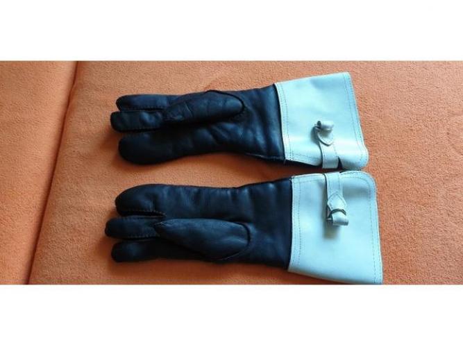 Grajewo ogłoszenia: Sprzedam skórzane rękawice motocyklowe milicji obywatelskiej w...