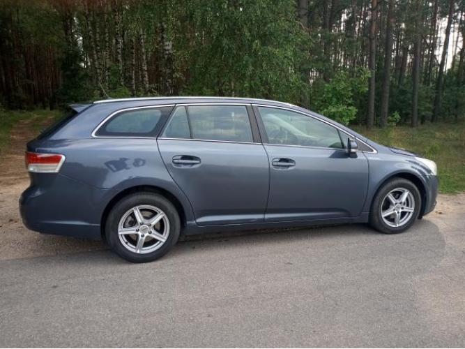 Grajewo ogłoszenia: Sprzedam Toyotę Avensis Kombi diesel 2 litrowy,po lifcie, przebieg...