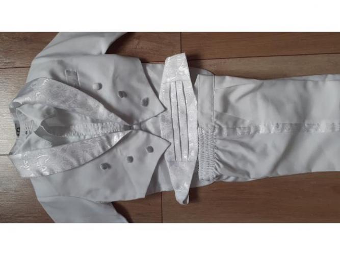 Grajewo ogłoszenia: Sprzedam biały elegancki frak dla 2-2,5 łatka na wyjątkową...
