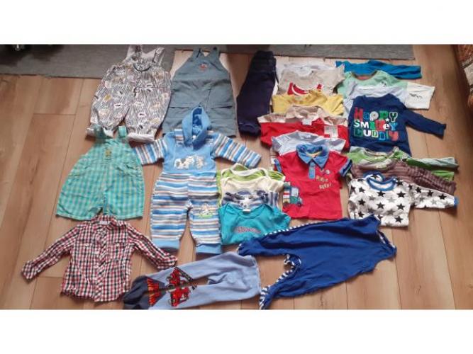 Grajewo ogłoszenia: Sprzedam ubranka dla chłopca 3-6 miesięcy, ilość widoczna na...
