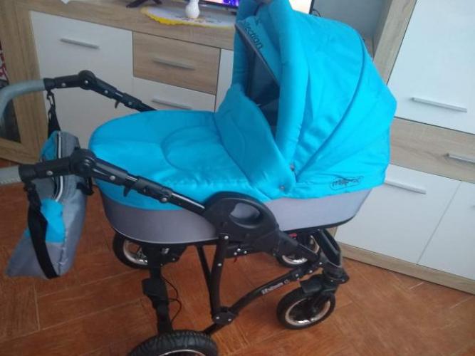Grajewo ogłoszenia: Sprzedam wózek 3w1 gratis łóżeczko