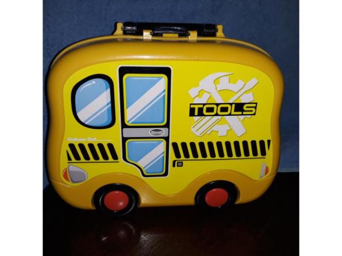 Grajewo ogłoszenia: Sprzedam walizkę auto z narzędziami dla chłopca