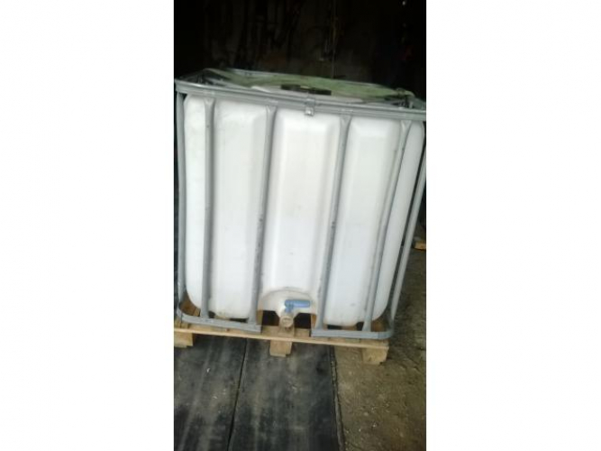 Grajewo ogłoszenia: Sprzedam pojemnik 1000l typu Mauzer Zbiornik posiada duży otwór...