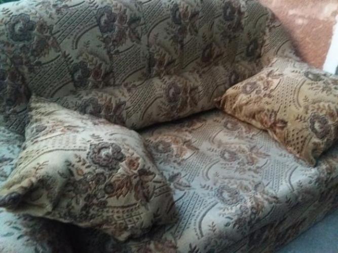 Grajewo ogłoszenia: Oddam dwie kanapy , dwuosobowa i trzyosobowa, kolor tapicerki na...