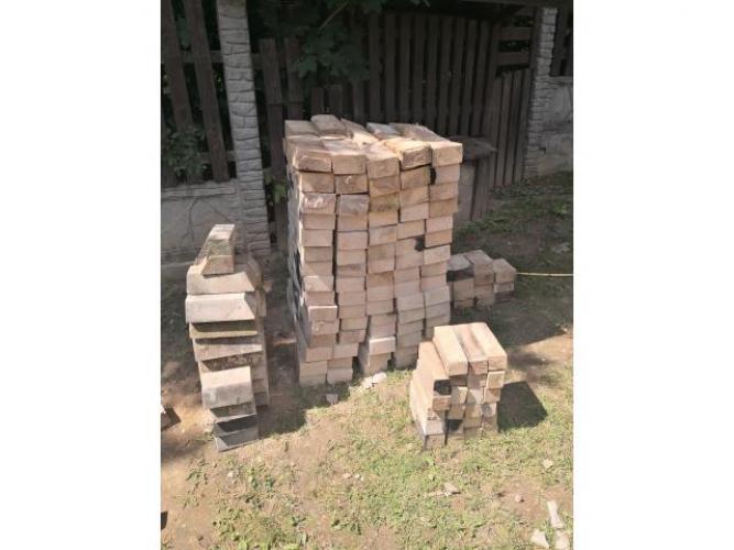 Grajewo ogłoszenia: Cegla szamotowa (uzywana). Obecnie rozebrany kominek ogrodowy....