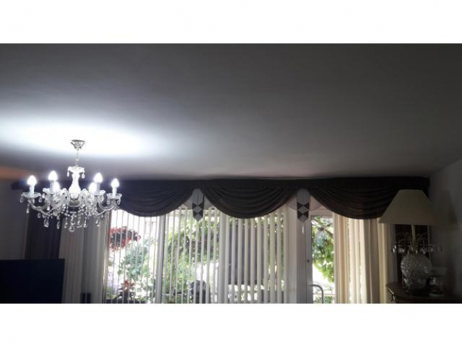 Grajewo ogłoszenia: Sprzedam kompletne zasłony z lamberkinem do pokoju na okno 530 cm....