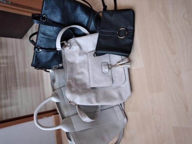 Grajewo ogłoszenia: Sprzedam torebki, 2 używane w dobrym stanie, dwie nowe, cena za...