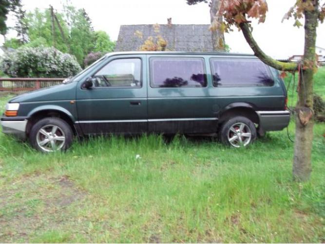 Grajewo ogłoszenia: Chrysler Voyager 2,5 tdi , rok 1995, sprawny, siedem osób.