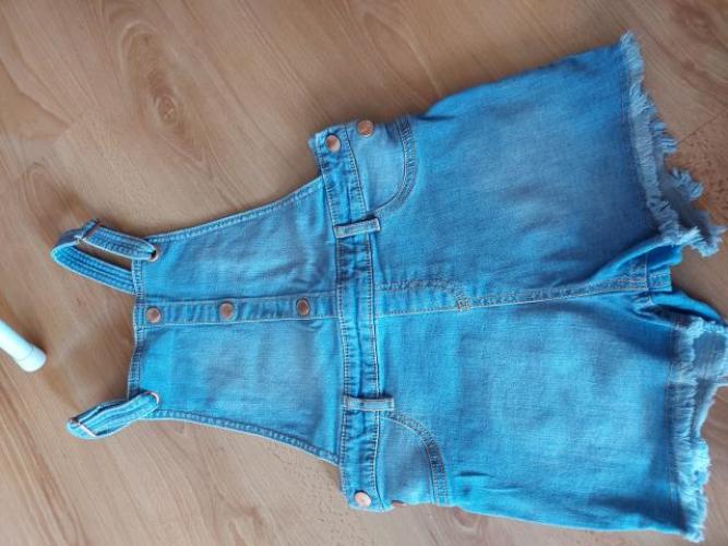 Grajewo ogłoszenia: sprzedam ubranka dla dziewczynki 6-7lat. Ubrania w stanie dobrym,...