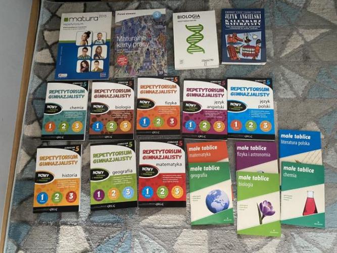 Grajewo ogłoszenia: Witam mam do sprzedania komplet książek widoczny na zdjęciu...