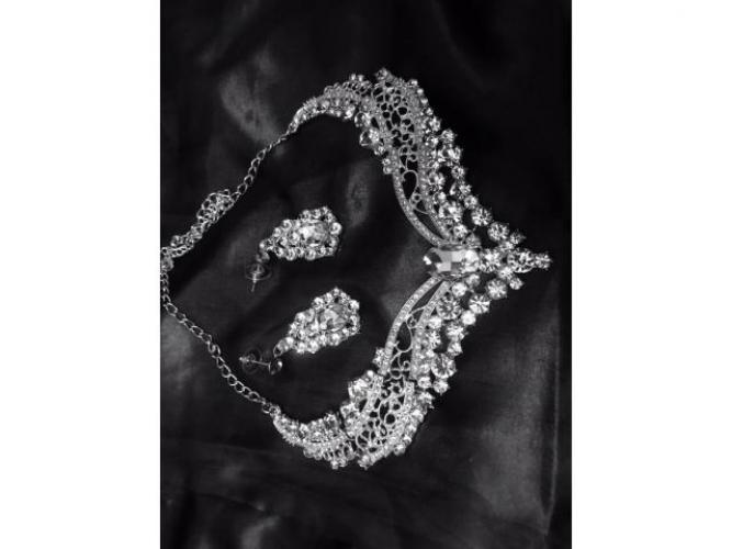 Grajewo ogłoszenia: Zestaw biżuteria ślubna kolczyki 5 cm oraz naszyjnik 16 cm...