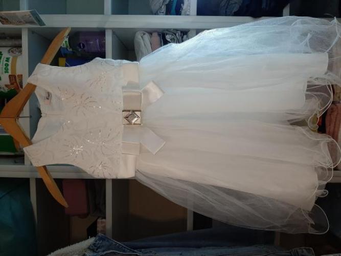 Grajewo ogłoszenia: Sprzedam sukienkę na ok 10 lat.