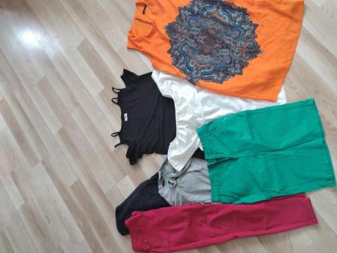 Grajewo ogłoszenia: Wymienię na coś zestaw ubrań damskich w rozmiarze M/L.  Stan bdb.
