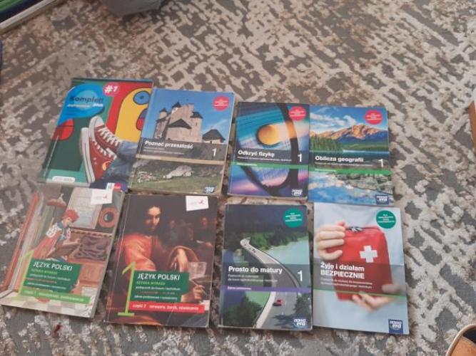 Grajewo ogłoszenia: Sprzedam książki widoczne na zdjęciu do pierwszej klasy...