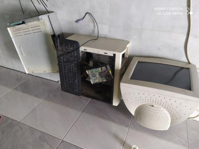 Grajewo ogłoszenia: Witam mam na sprzedaż dwa stare komputery oraz monitor. Monitor...