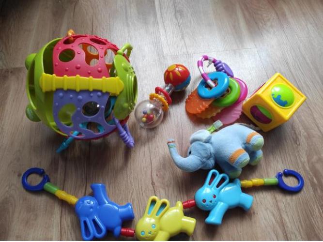 Grajewo ogłoszenia: Sprzedam w bardzo dobrym stanie zabawki niemowlęce. Wszystko to co...