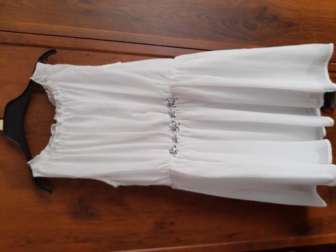 Grajewo ogłoszenia: Śliczna  biała sukienka r. 134.