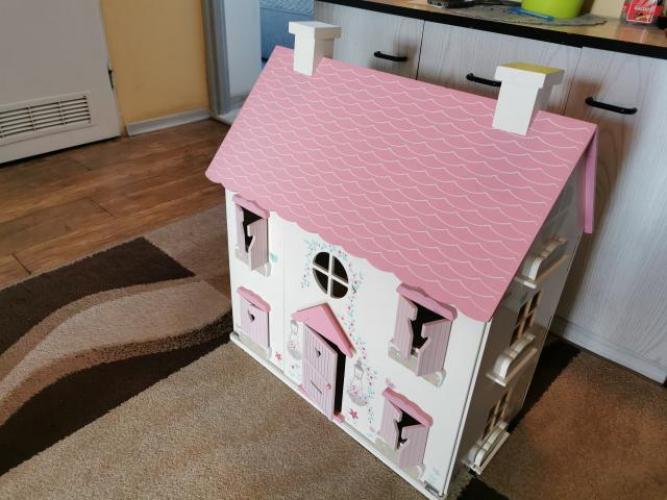 Grajewo ogłoszenia: Witam. Mam na sprzedaż w świetnym stanie duży domek dla lalek...
