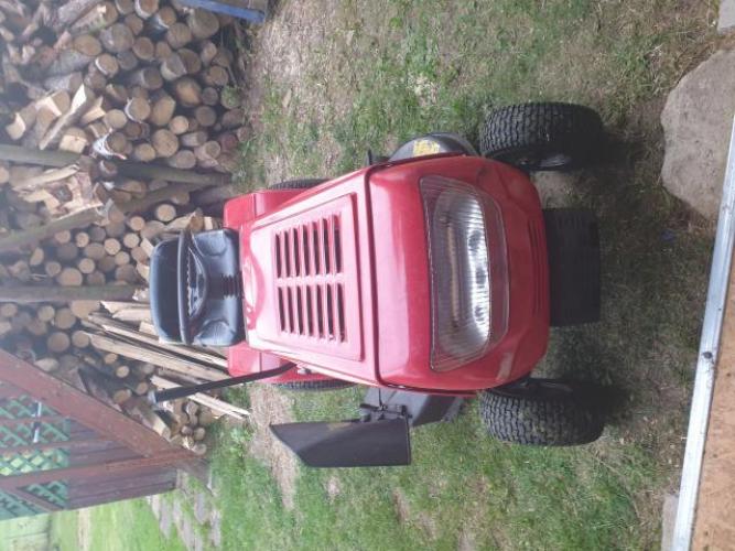 Grajewo ogłoszenia: Sprzedam kosiarkę traktorek z podwójnym kosiskiem.Bez wkładu...