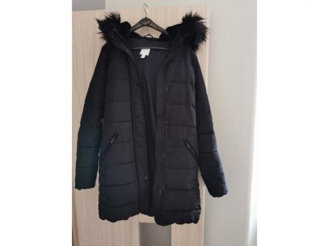 Grajewo ogłoszenia: Sprzedam czarną, zimową kurtkę damską H&M. Rozm. 40. St. Bdb.