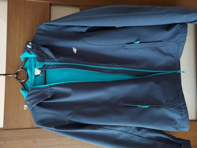 Grajewo ogłoszenia: Sprzedam  kurtkę 4 F . Rozmiar L.