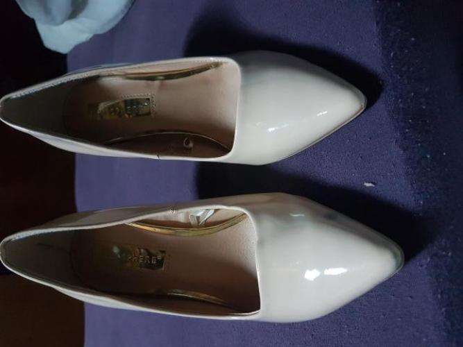 Grajewo ogłoszenia: Szprzedam buty na wysokim obcasie rozmiar 36 i drugie też 36...