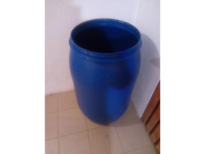 Grajewo ogłoszenia: Sprzedam beczki plastikowe 230 litrowe czyste polecam