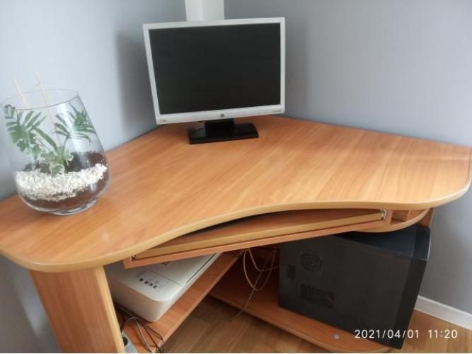 Grajewo ogłoszenia: Sprzedam biurko rogowe dostosowane pod komputer, stan bardzo dobry,...